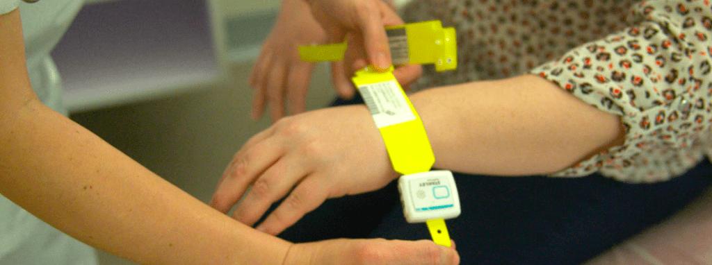 suivi patient bracelé connecté_iot